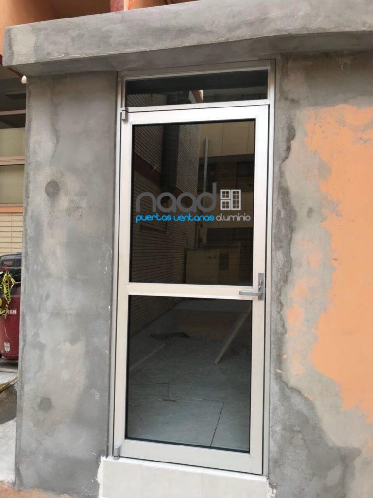 Puerta de aluminio naad - Puertas de aluminio con cristal ...
